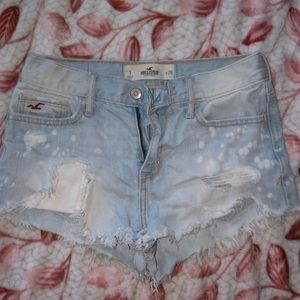 Highrise Hollister shorts